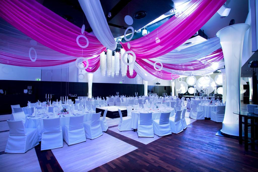 Ballroom - dinner set-up